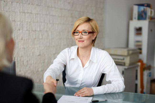 Kobieta rekruterka HR.